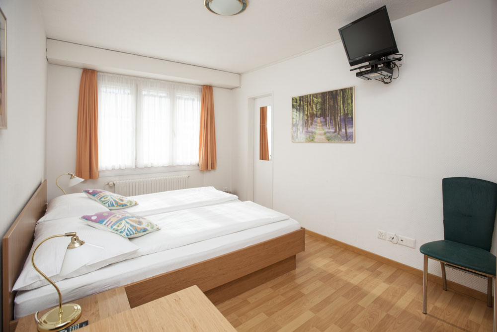 Standard-double-room06