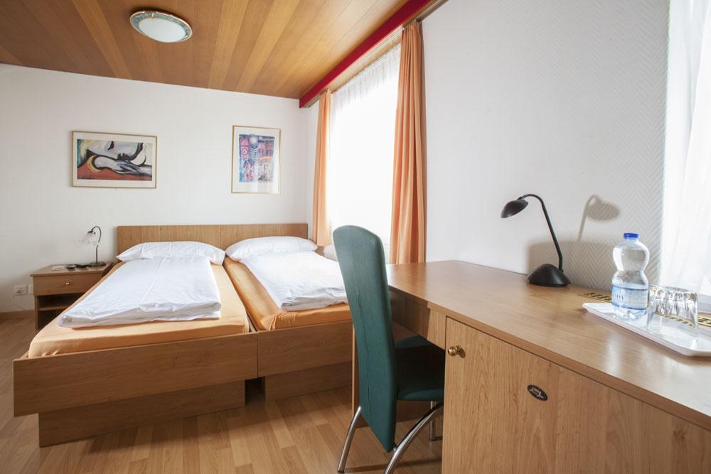 Standard-double-room07
