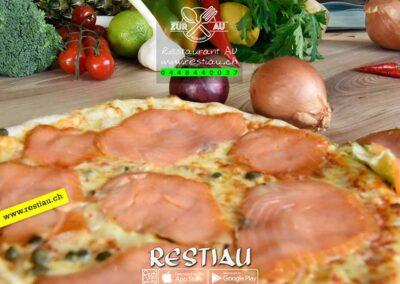 zur au restaurant | pizza Al-salmone