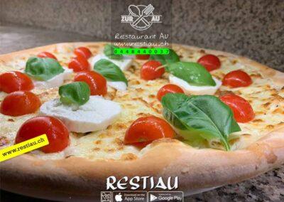zur au restaurant | pizza-caprese